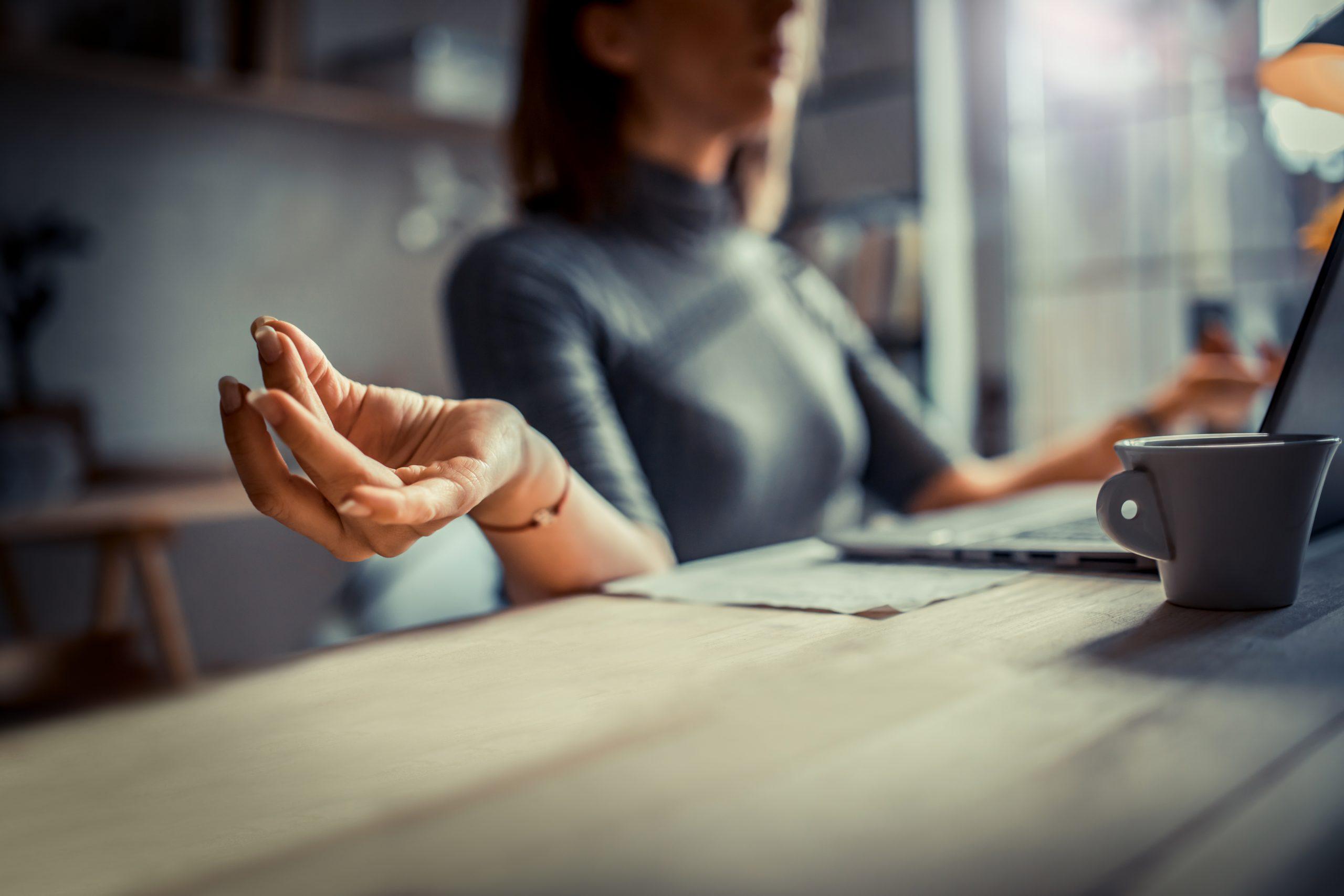 Home office: faça uma pausa consciente através da meditação
