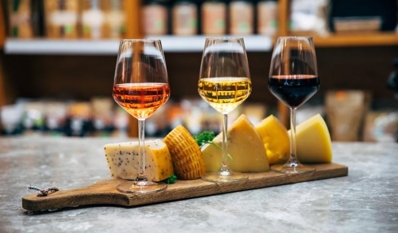 Queijos e vinhos, uma combinação perfeita