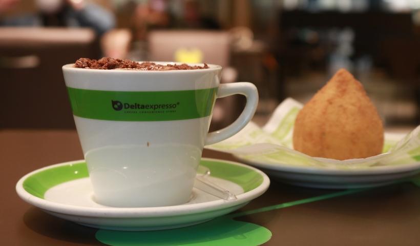 Deltaexpresso: cappuccino mais coxinha no combo do mês