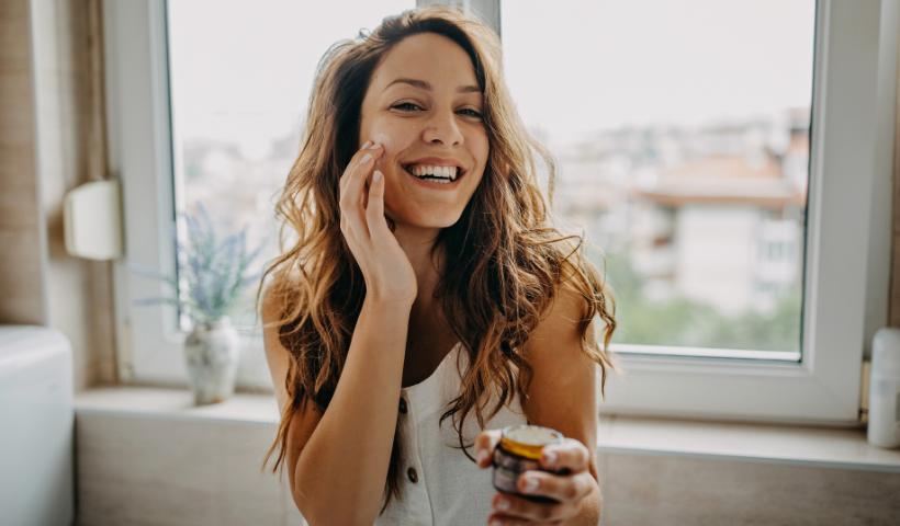 Você cuida da pele? Confira 5 hábitos que devem ser evitados