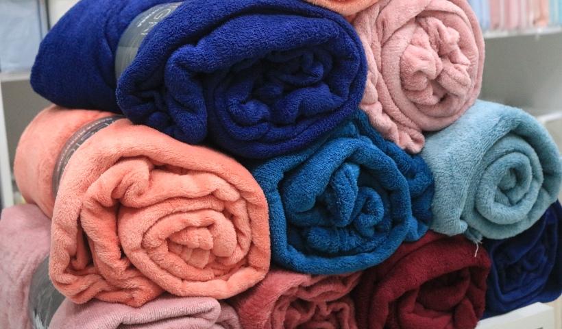 De fronhas a lençóis: tudo para sua cama na First Class