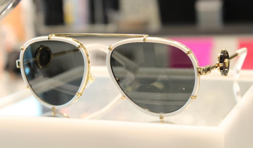 Prada, Persol ou Versace? Veja óculos de luxo na Sunglass Hut
