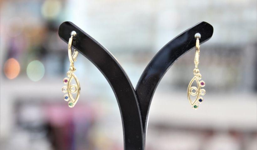 Berloque: colares, brincos e pulseiras de muita boa sorte