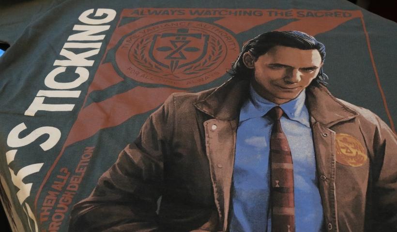 Loki ou Viúva Negra? Encontre camisas temáticas na Piticas