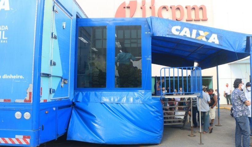 Caminhão da Caixa chega ao RioMar para quitar dívidas