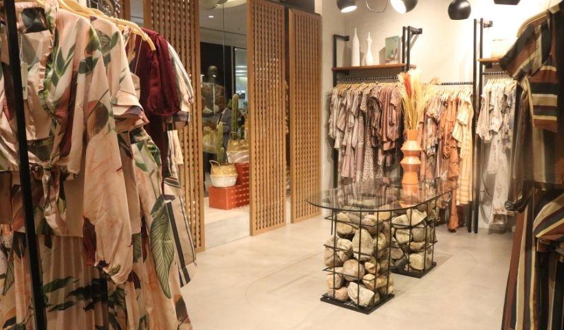 D´Metal realça as cores da moda feminina no RioMar