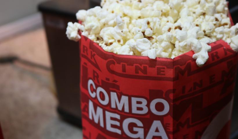 Cinema e pipoca combinam? Cinemark destaca combo especial