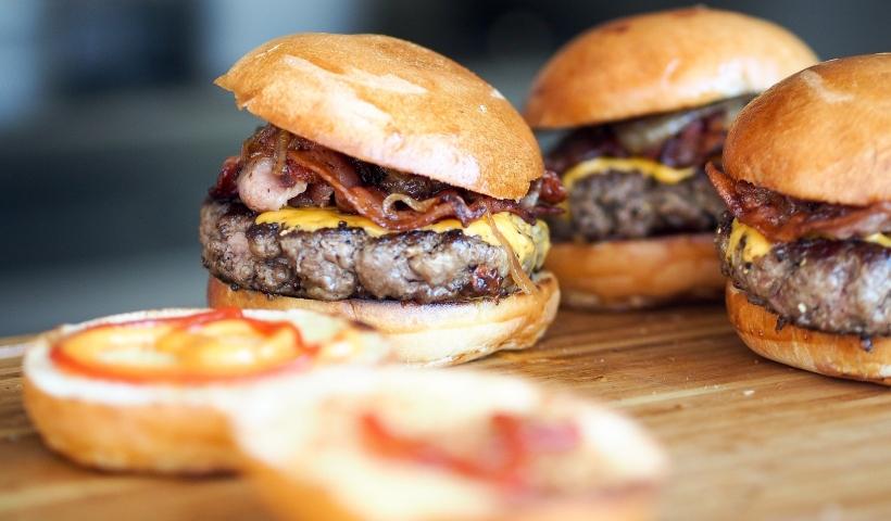 Bateu a fome? Peça os combos KFC no RioMar Online