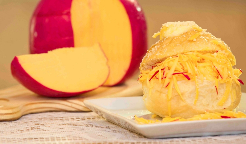 Pão Delícia de Queijo do Reino é sucesso no Café do Mercado