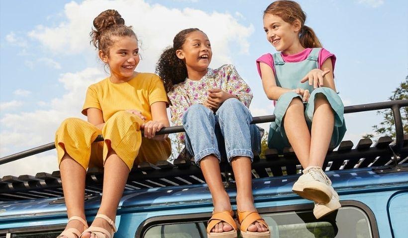 Roupinhas para o Dia das Crianças: escolha o presente online