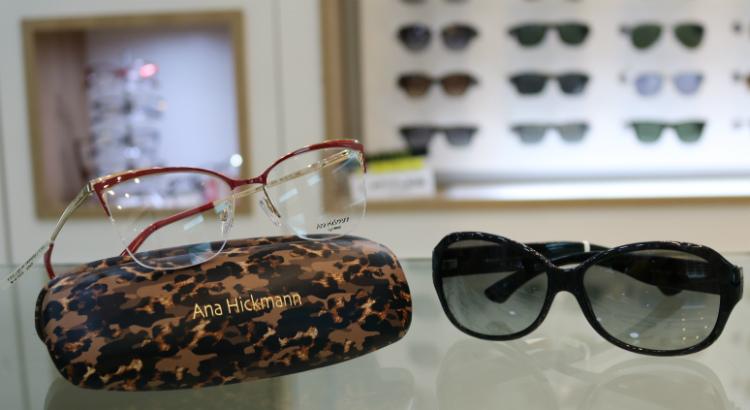 9a0a59310 Em que os clientes ganham o óculos de sol na compra de um de grau.